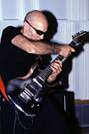 satriani_cross_hand