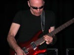 Matt_OMeara-mhz/Joe-Satriani--19th-March-2005-Forum-Theatre-007