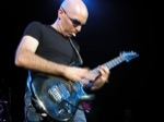 Matt_OMeara-mhz/Joe-Satriani--19th-March-2005-Forum-Theatre-031