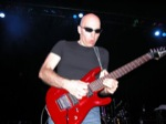 Matt_OMeara-mhz/Joe-Satriani--19th-March-2005-Forum-Theatre-075