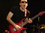 Jason_Lascheit-J63/Joe-Satriani-May-10-06-040
