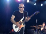 Jason_Lascheit-J63/Joe-Satriani-May-10-06-065